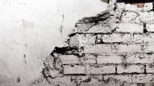 pudsning af murstensvæg