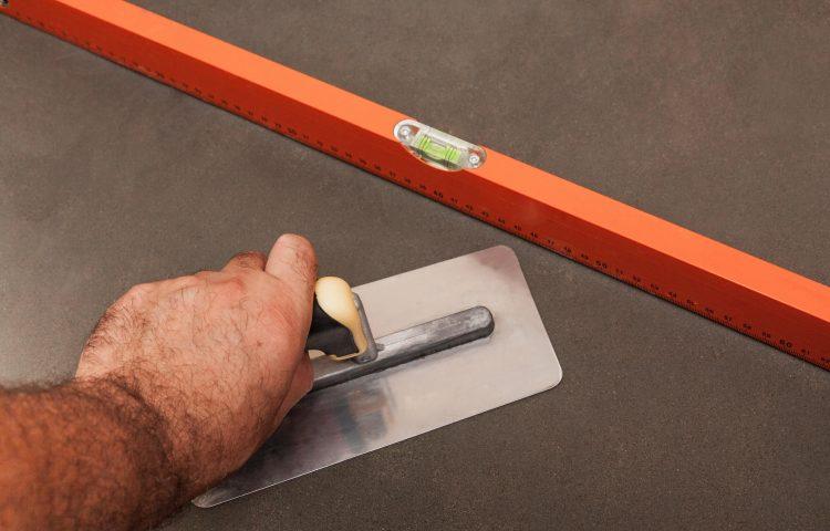 stoebning af betongulv pris